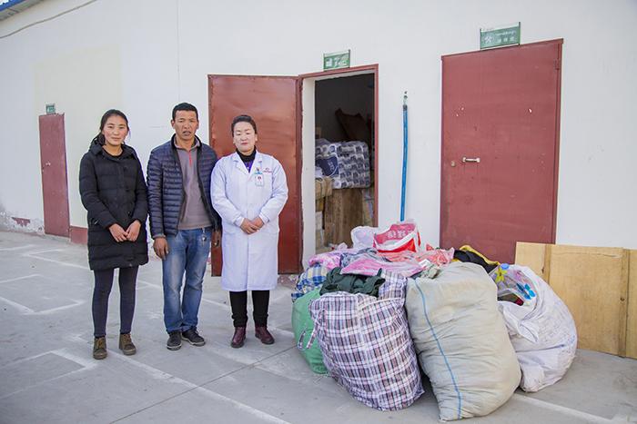 行善,积善,传递善念—我院央宗女士连续两年多为偏远地区贫困家庭捐赠衣物