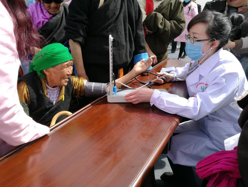 """西藏阜康医院""""健康筛查暨义诊""""活动,在堆龙德庆区的三县社会福利院正式启动"""